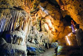 Εγκατάσταση Ανεμογεννήτριας στο σπήλαιο Αλαδινού στην Άνδρο
